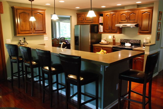 Tri level house kitchen remodel house plan 2017 for Quad level home remodel